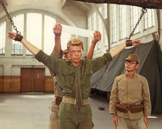 Married With Clickers: Episode 99 - Merry Christmas Mr. Lawrence