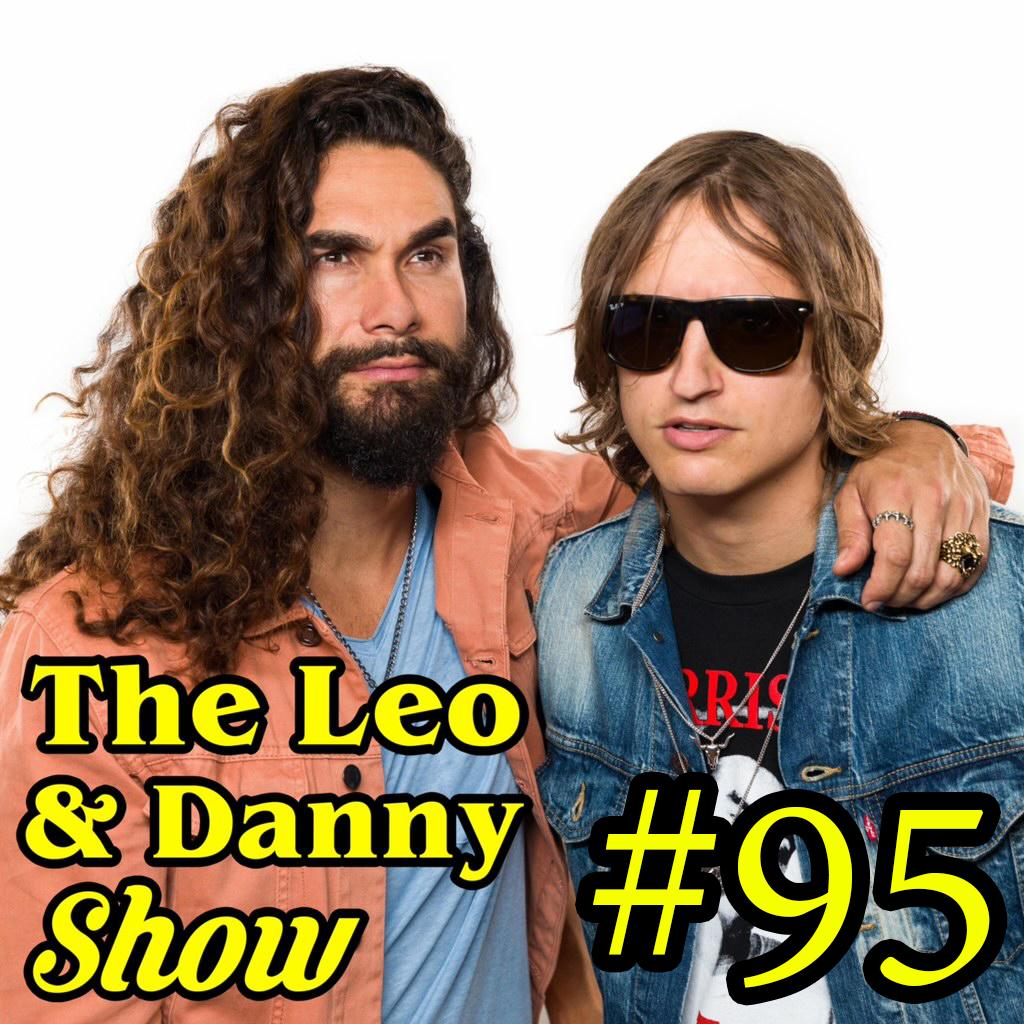 The Leo & Danny Show #95 : Navy Sailor Sucks Danny's Toes!