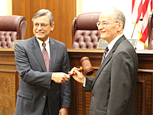 Chief Justice Jorge Labarga passes the gavel to Chief Justice-elect Charles Canady. June 20, 2018.