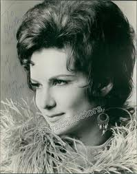 Marisa Galvany as Turandot