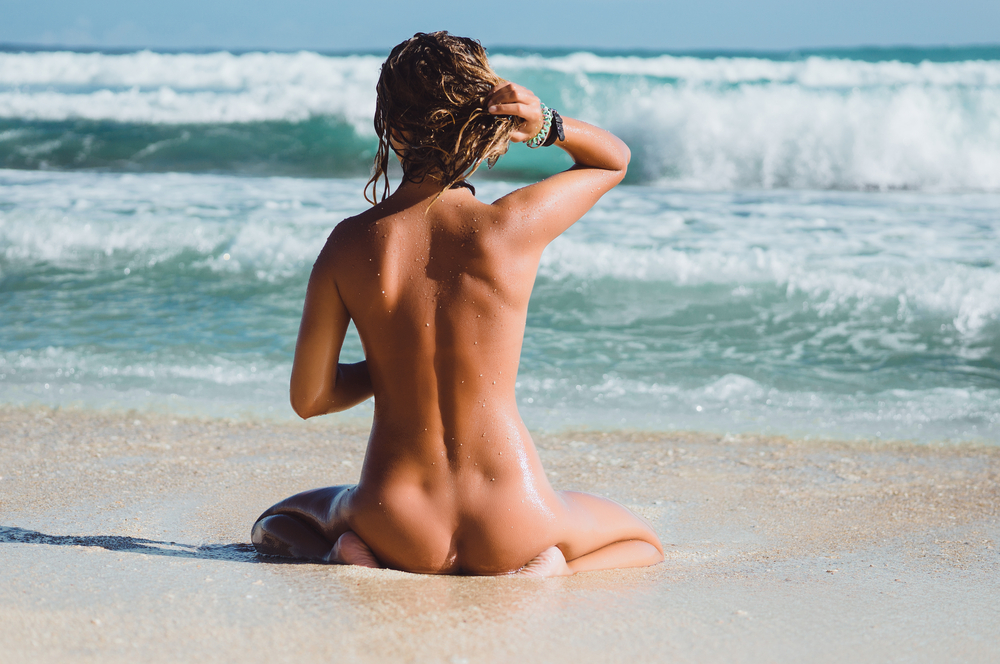 Nude sexy chicks beach #3