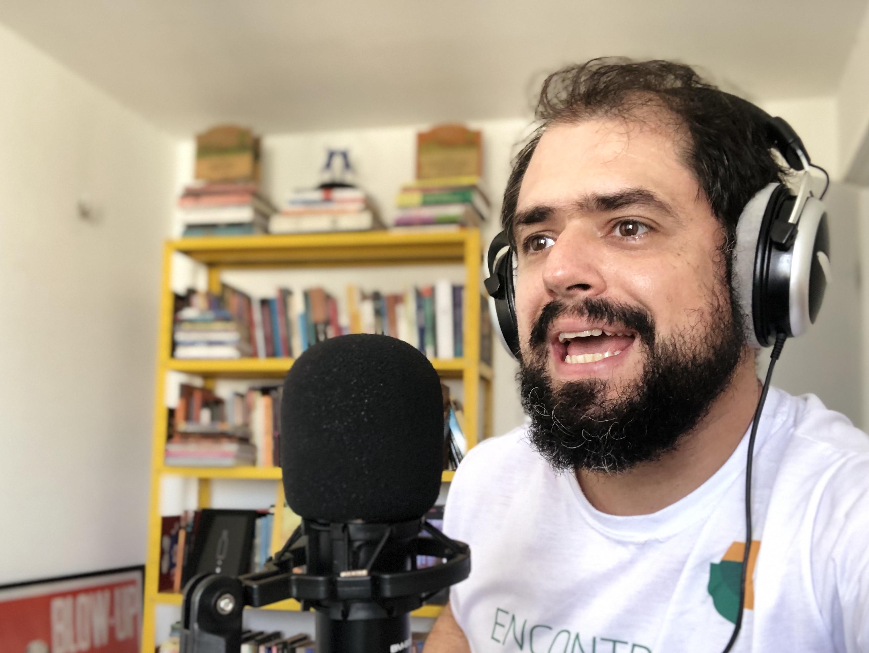 Autor e apresentador do SerifaCast, Andreh Jonathas