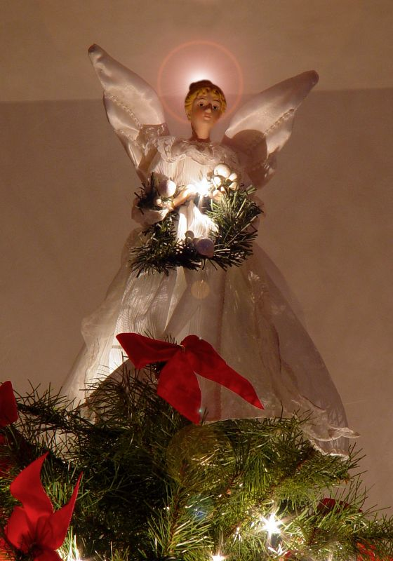 MD 28 How the Angel got on top of the Tree