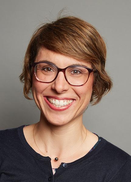 Porträt von Dr. Anne-Katrin Pröbstel