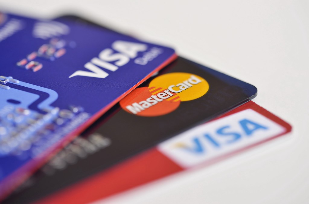 Talk40.com #MAGA News Politics Podcast - BRYAN CRABTREE.: Democrat Presidential Pitch: Cap Credit Card Rates at 15%. Is this good or bad?