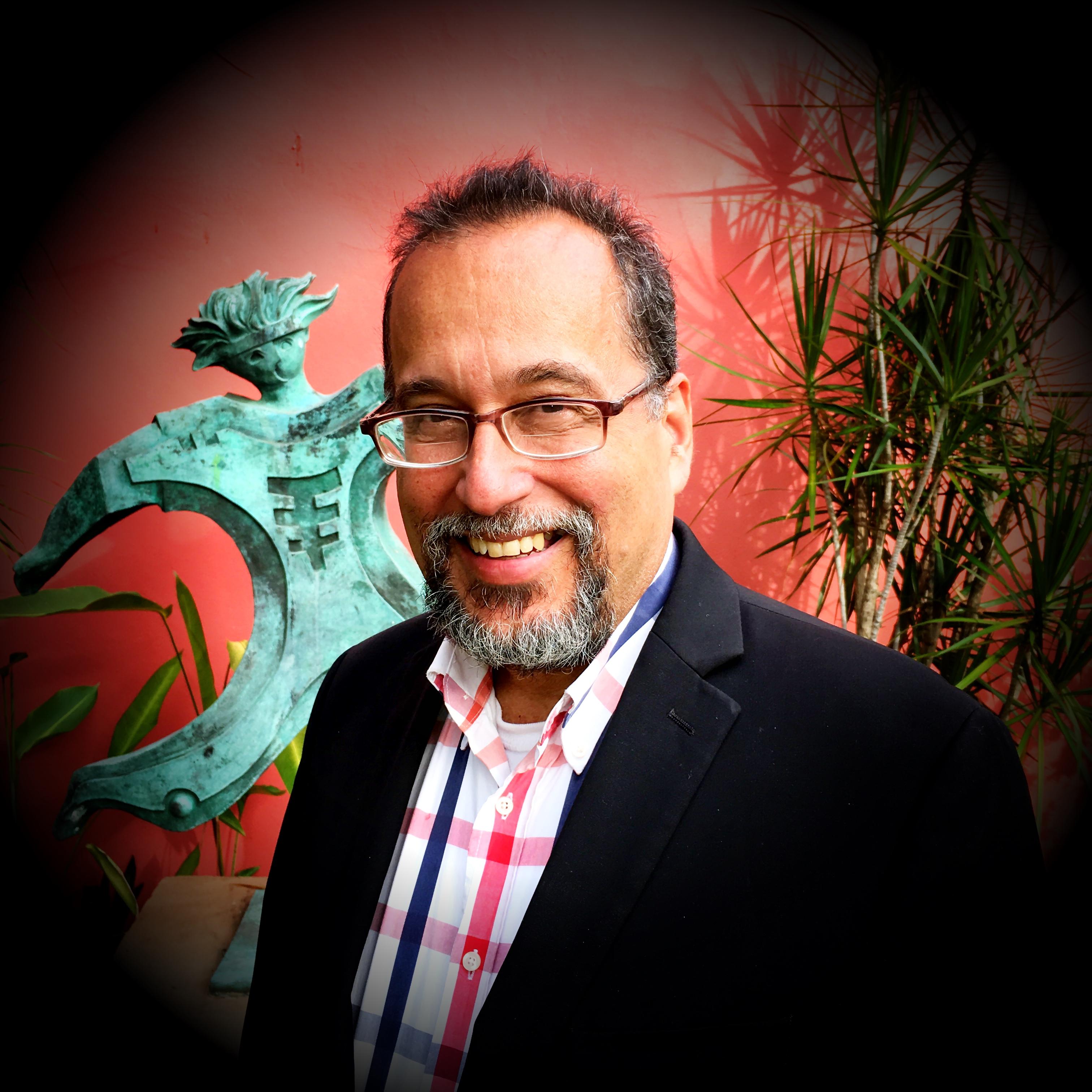 Dr. Ediberto Lopez en TeoBytes