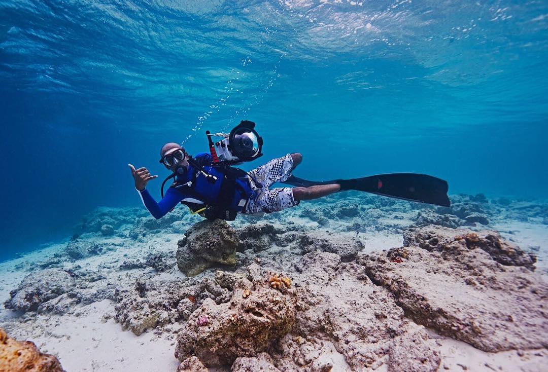 Anup J Kat in action underwater